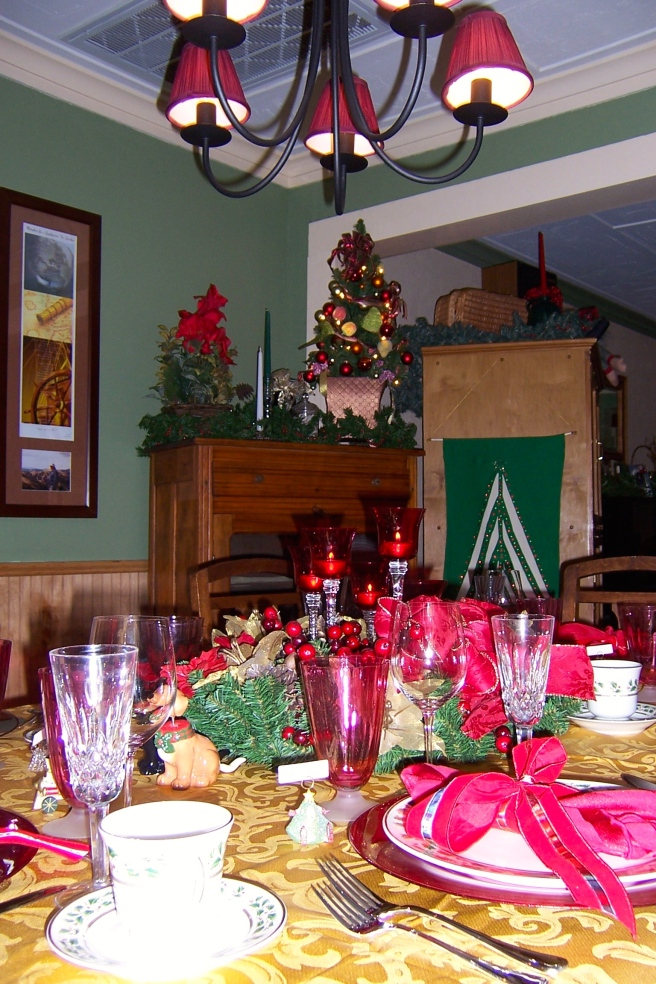Decorating not just the table, but the whole dining room, increases the holiday mood.