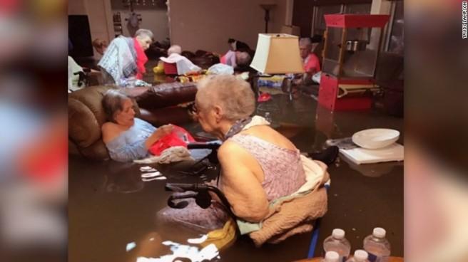 170827155336-nursing-home-rescue-la-vita-bella-dickinson-texas-flooding-nr-00000000-exlarge-169